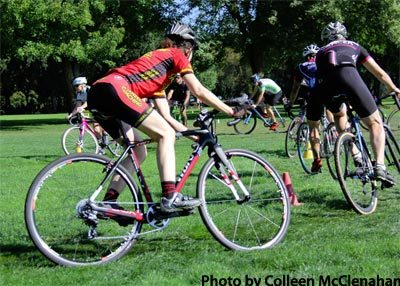 Coach Elaine Bothe and participants practice tight cornering at the 2015 PDX Cyclocross Clinic Series
