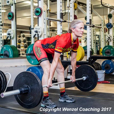 Lowering the bar during the cyclists deadlift
