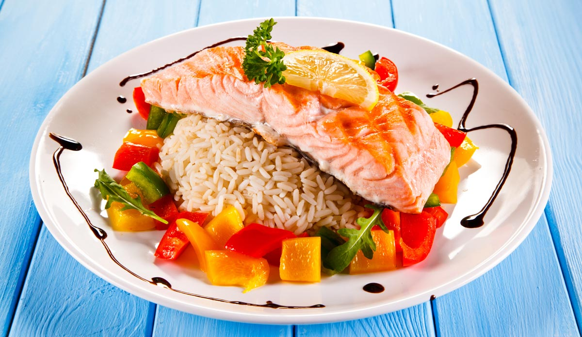 Salmon for healthy eating for athletes