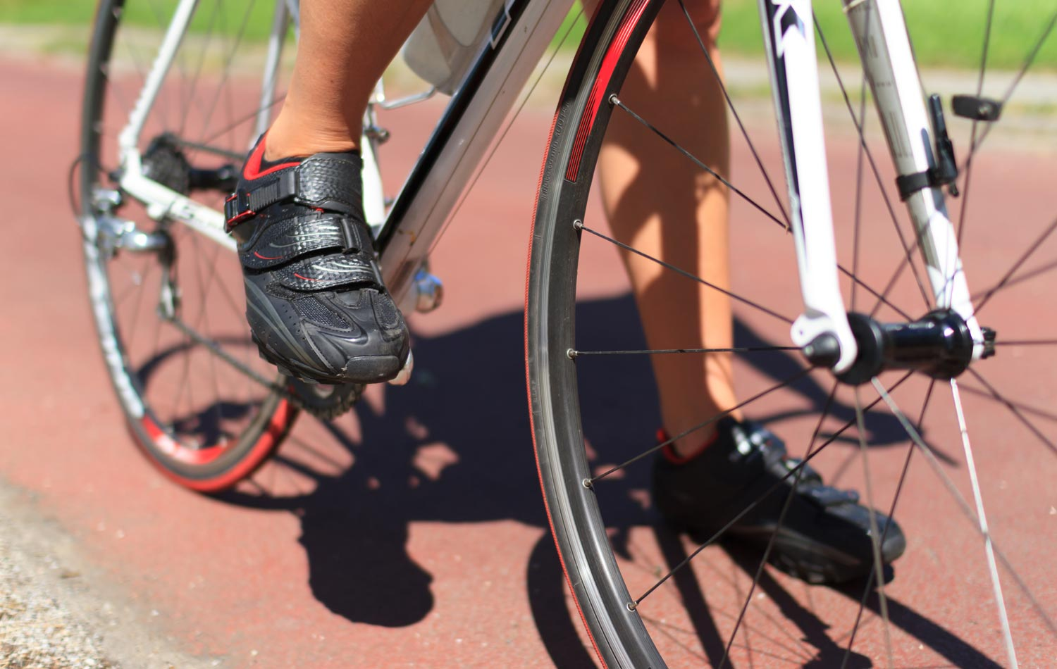 Six Causes of Foot Pain,  Numbness, and Hot-Foot During Bicycling, and How to Solve Them